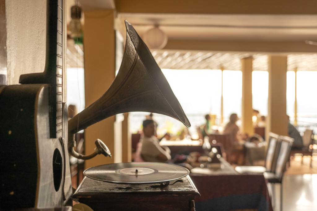 Музыка для кафе